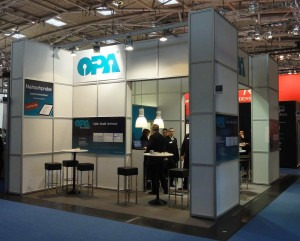 M2011-stand