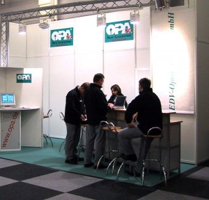 m2002stand1